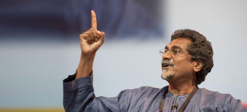 Jay Naidoo à l' Open Knowledge Conférence, à Genève en 2013.