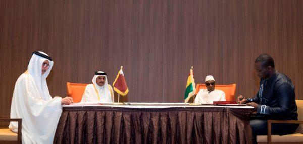 L'émir Tamim Ben Hamad Al-Thani avec le président de Guinée Alpha Condé