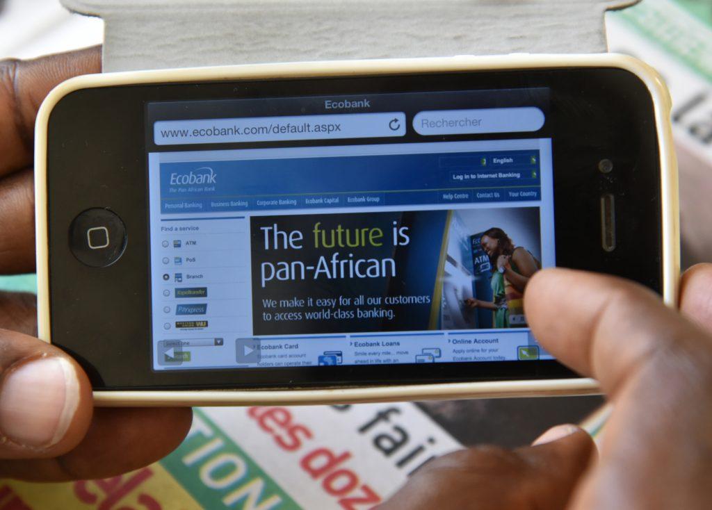 Les services de banque numérique d'Ecobank. Photo par SIA KAMBOU / AFP