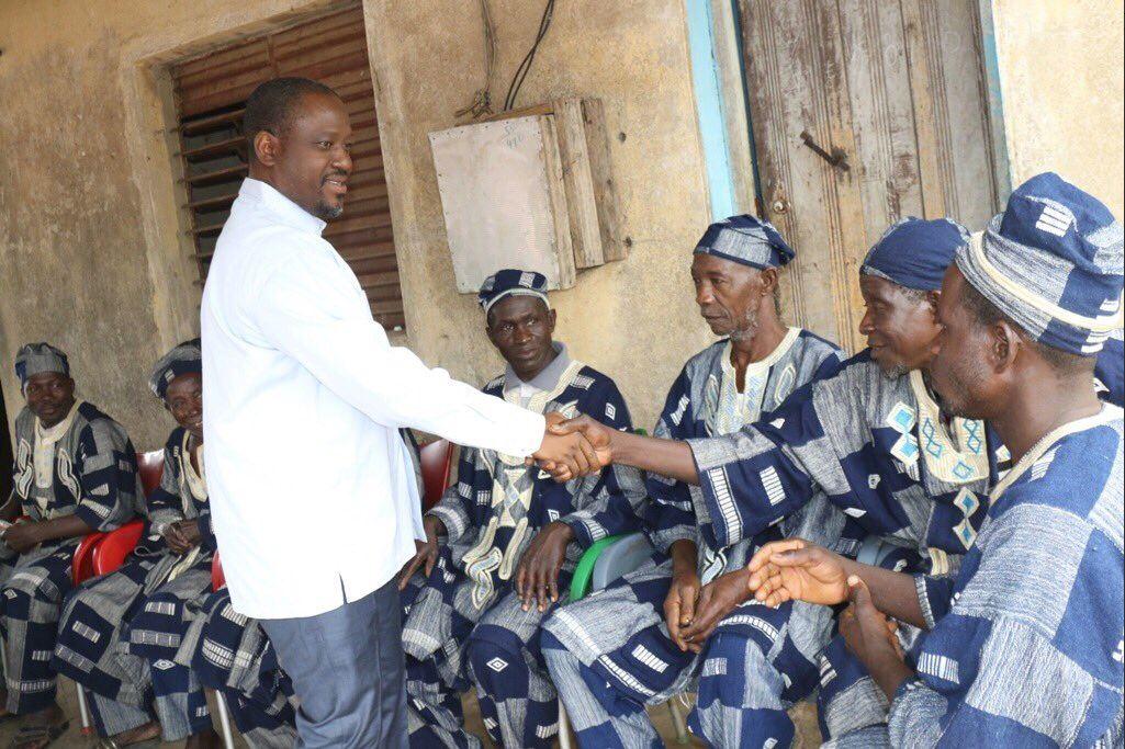 Guillaume Soro avec les chefs de villages de Tafiré, en Côte d'Ivoire, le 30 avril 2019.