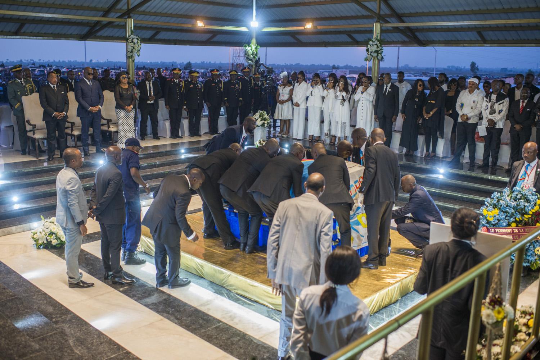 Le mausolée temporaire de l'ancien leader politique de l'UDPS à Nsele, près de Kinshasa.