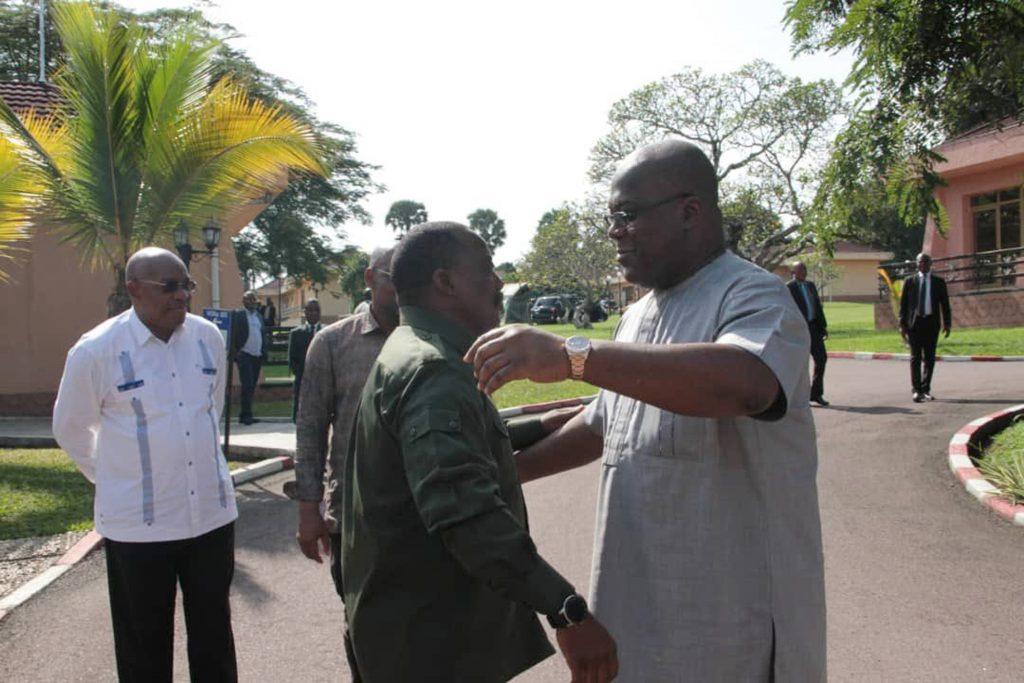 Cité de l'UA, le 17février. Première rencontre entre Kabila et Tshisekedi (à dr.) depuis l'entrée en fonction de ce dernier.