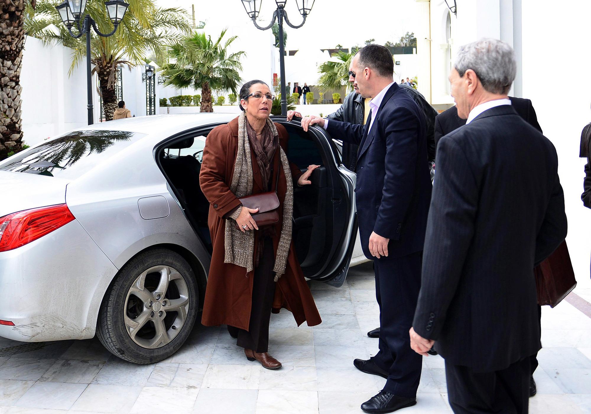 Louisa Hanoune, du Parti des travailleurs, qui s'était présentée à la présidentielle de 2014, a elle aussi été incarcérée.