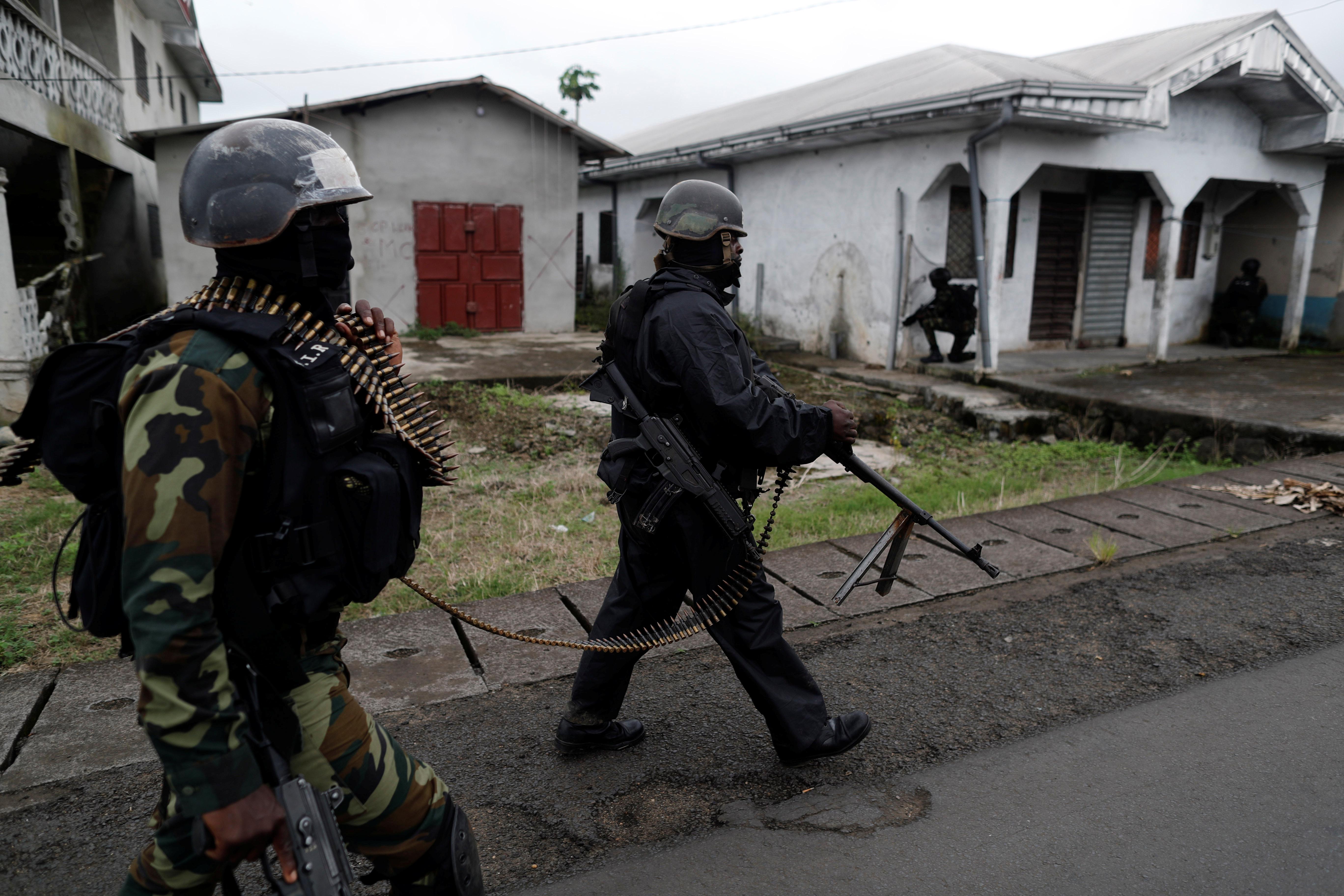 Des membres du Bataillon d'intervention rapide (BIR), à Ekona, près de Buea, en octobre 2018.