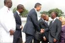 Poignée de main entre Adil Mesfioui, fondateur et PDG d'Agentis, et le président ivoirien, Alassane Ouattara, le 18 décembre 2017, suite à l'ouverture du premier centre de radiothérapie et d'oncologie du pays.