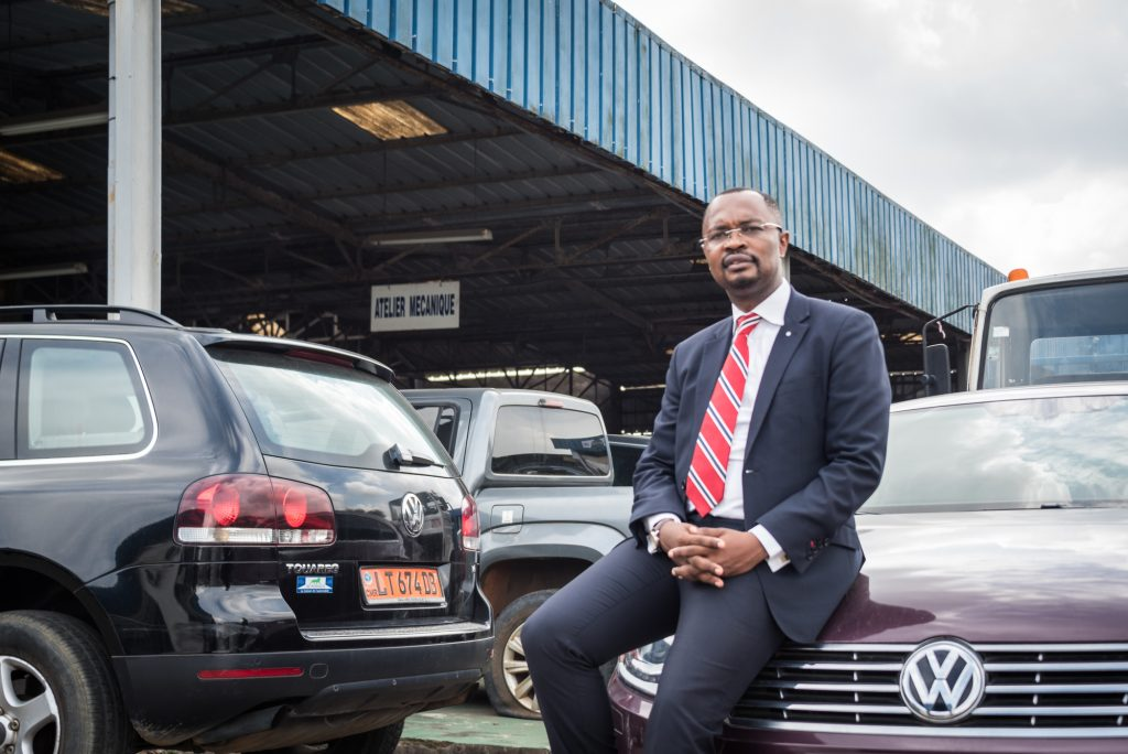 Christian Kouam (Cameroun), ancien ingenieur chez Volkswagen a Wolfsburg (Allemagne), il vient de creer l'Autohaus Volkswagen, concessionnaire exclusif du constructeur. A Douala, le 15.05.2019. Photo Max Mbakop pour JA.
