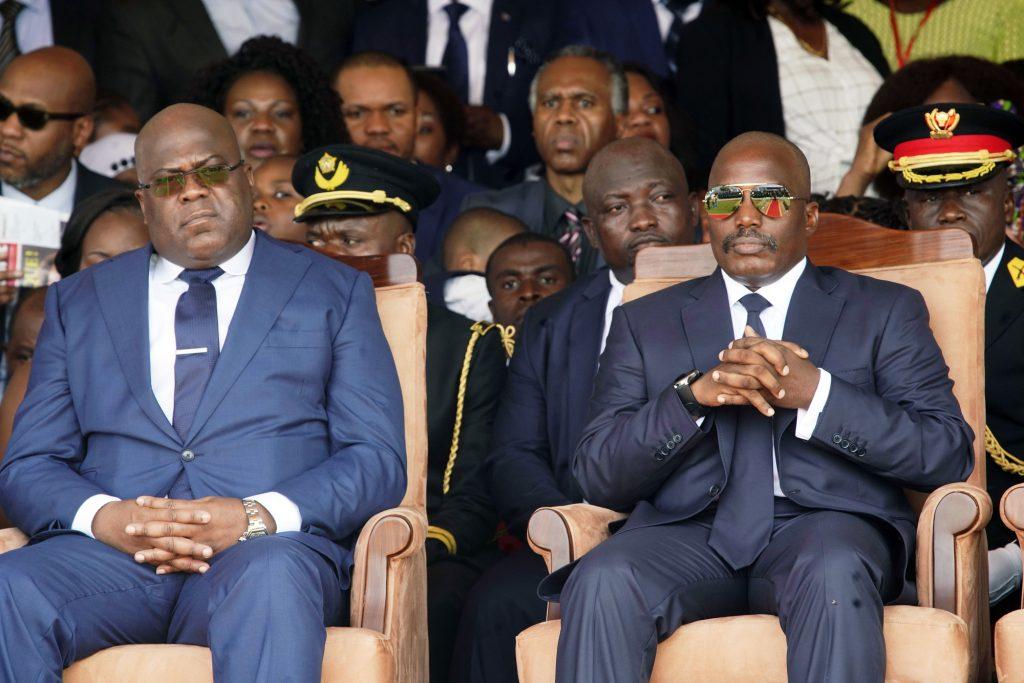 Le président Félix Tshisekedi (à g.) et son prédécesseur, Joseph Kabila, à Kinshasa, le 24janvier.