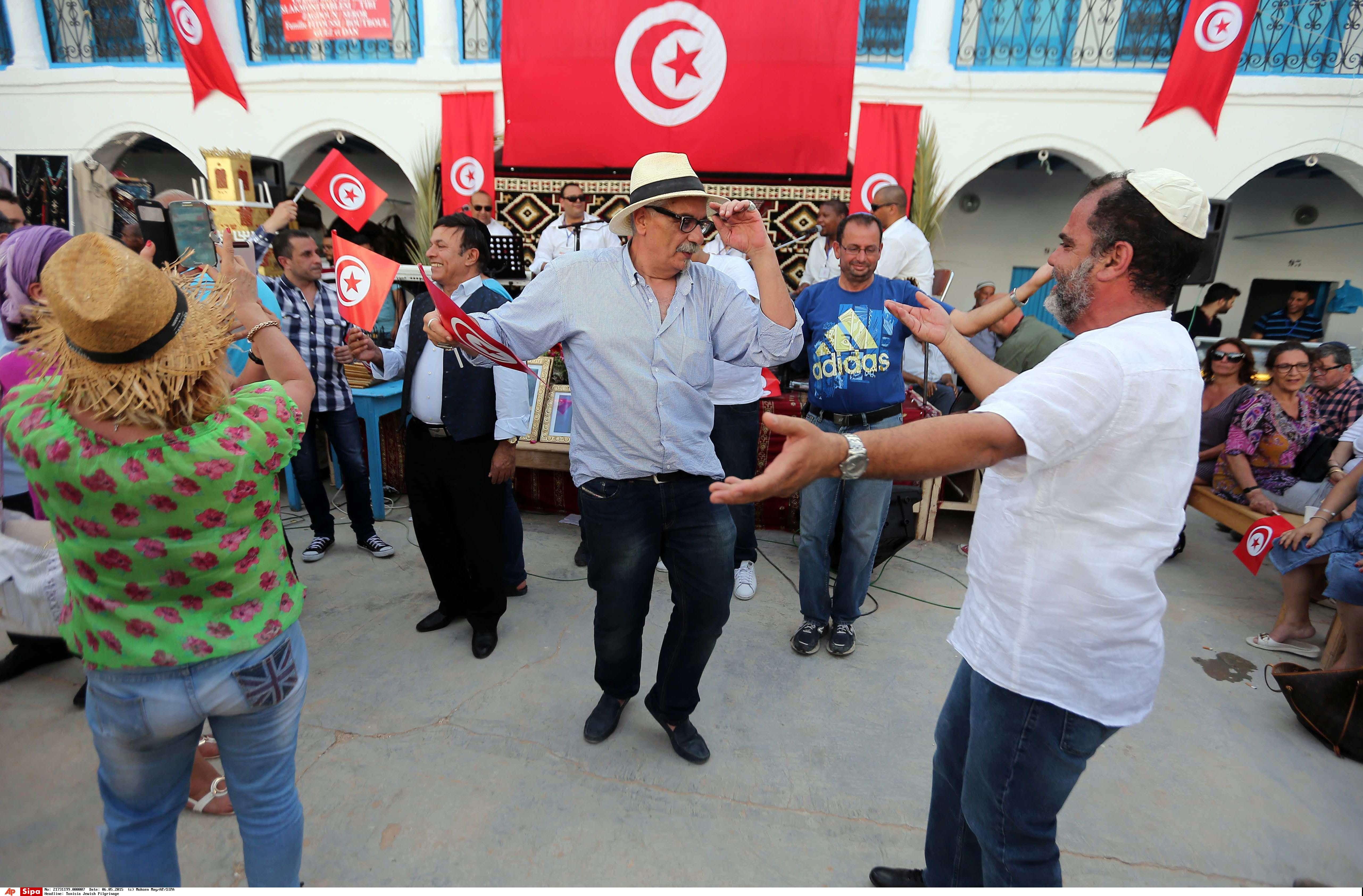 Danse lors du pèlerinage de la Ghriba en 2015.