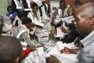 Dans un bureau de vote à Blantyre, Malawi, 2019.