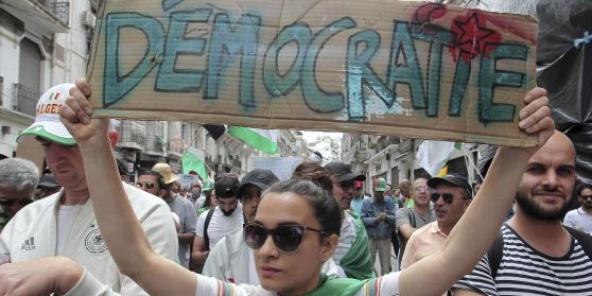 Manifestation à Alger, le 24 mai. La rue algérienne est radicalement contre l'organisation d'une élection présidentielle le 4 juillet prochain.