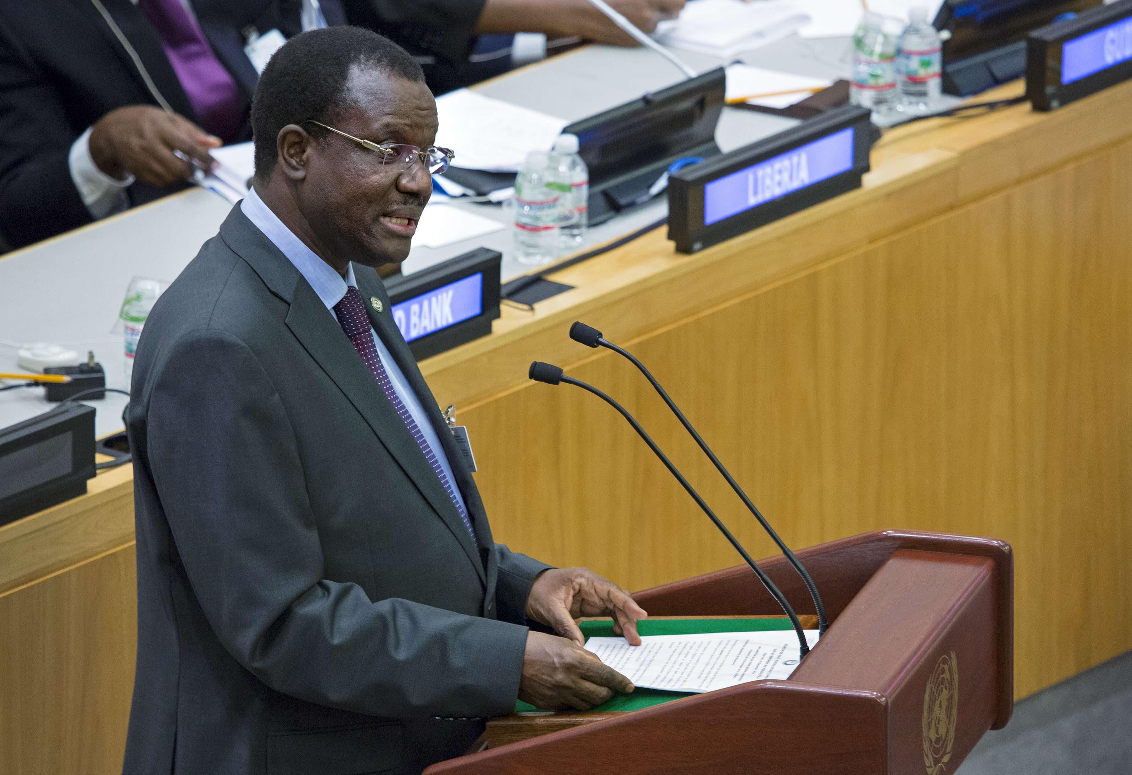 Kadré Désiré Ouédraogo, président de la Commission de la Communauté économique des États d'Afrique de l'Ouest, s'exprimant lors d'une réunion à haut niveau sur l'épidémie d'Ebola lors de la 69ème Assemblée générale des Nations Unies au siège américain, le jeudi 25 septembre 2014.