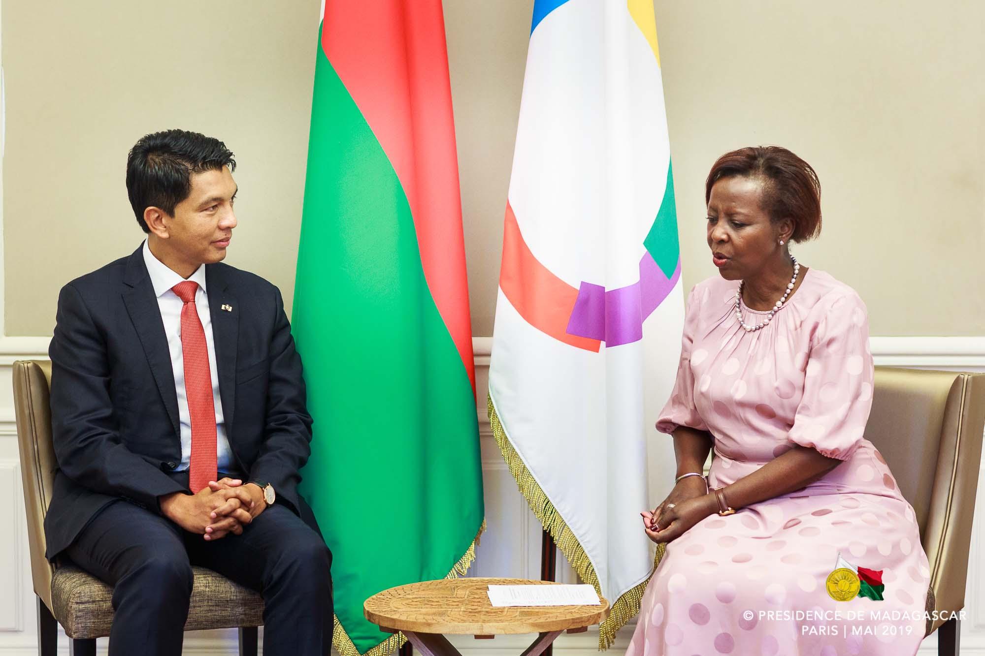 Andry Rajoelina et Louise Mushikiwabo au siège de l'OIF, à Paris, le 28 mai 2019.
