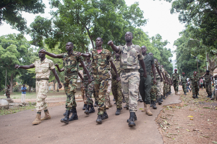 Des militaires centrafricains à l'entraînement dans le Camp Kassaï, à Bangui, en 2014.