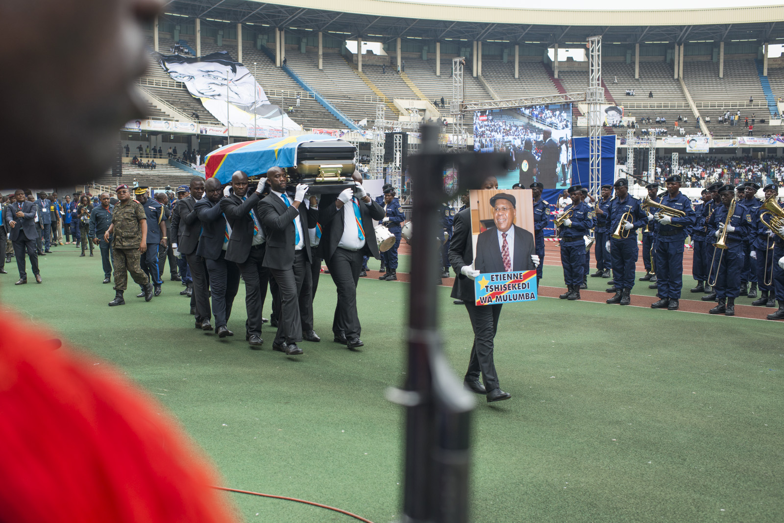 La cérémonie populaire au stade des Martyrs..