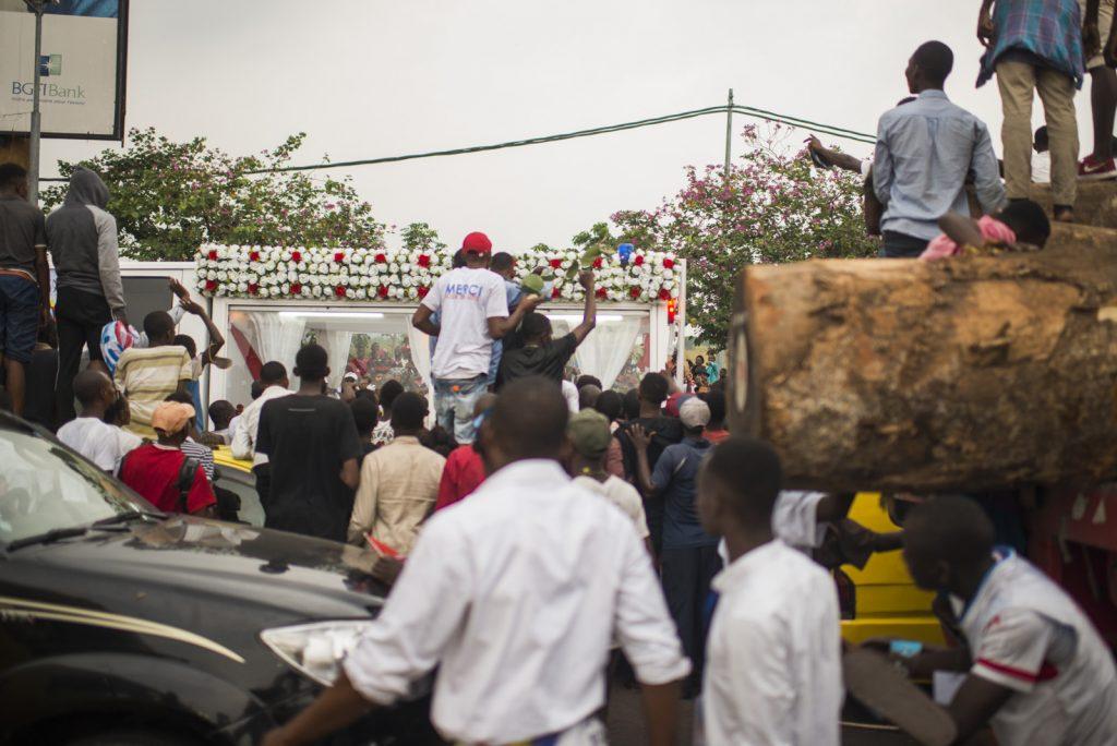 Scènes de liesse à Kinshasa lors du retour de la dépouille d'Étienne Tshisekedi, le 30 mai 2019.