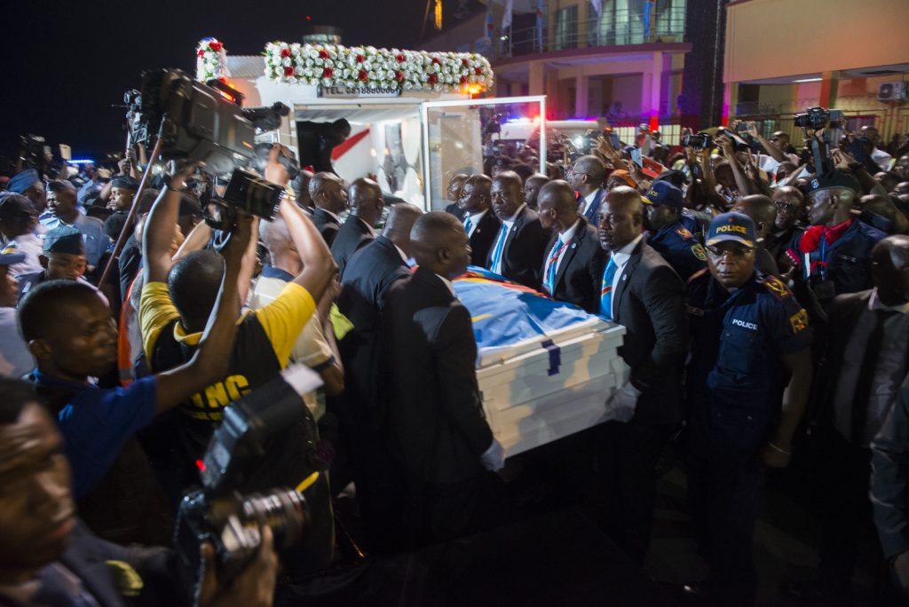 A l'arrivée du cercueil d'Etienne Tshisekedi, à Kinshasa, le 30 mai 2019.