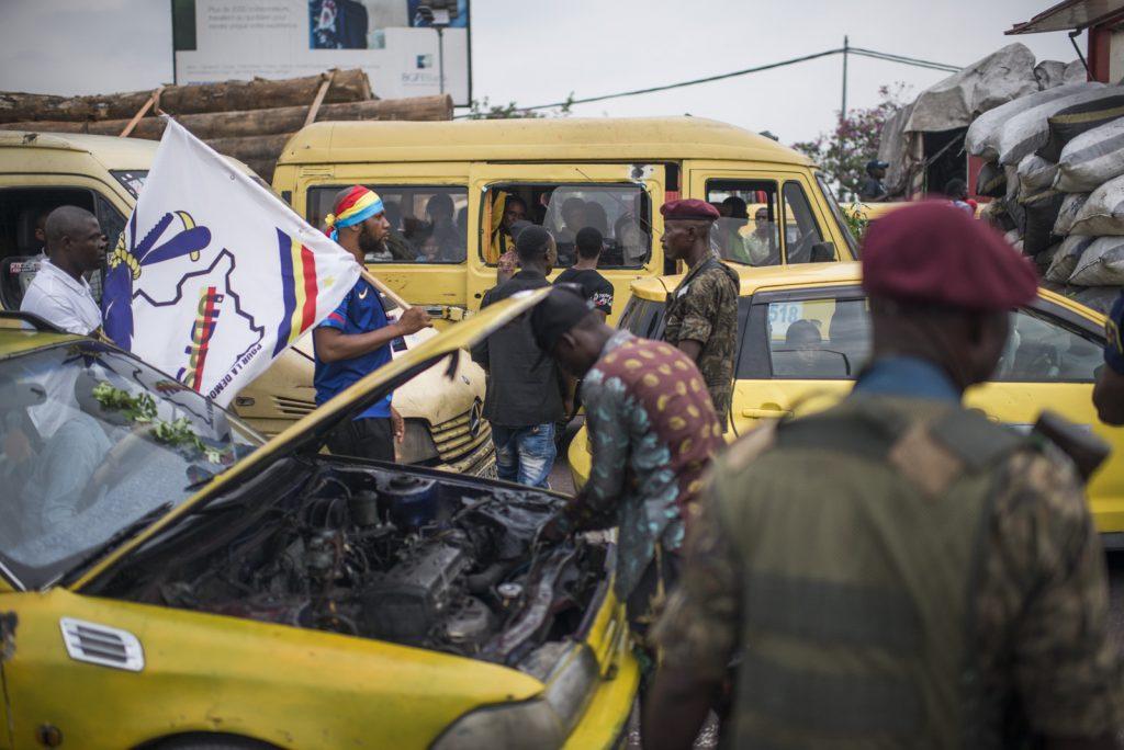 Des milliers de personnes se sont déplacées pour accueillir le corps d'Étienne Tshisekedi, jeudi 30 mai 2019, à Kinshasa.