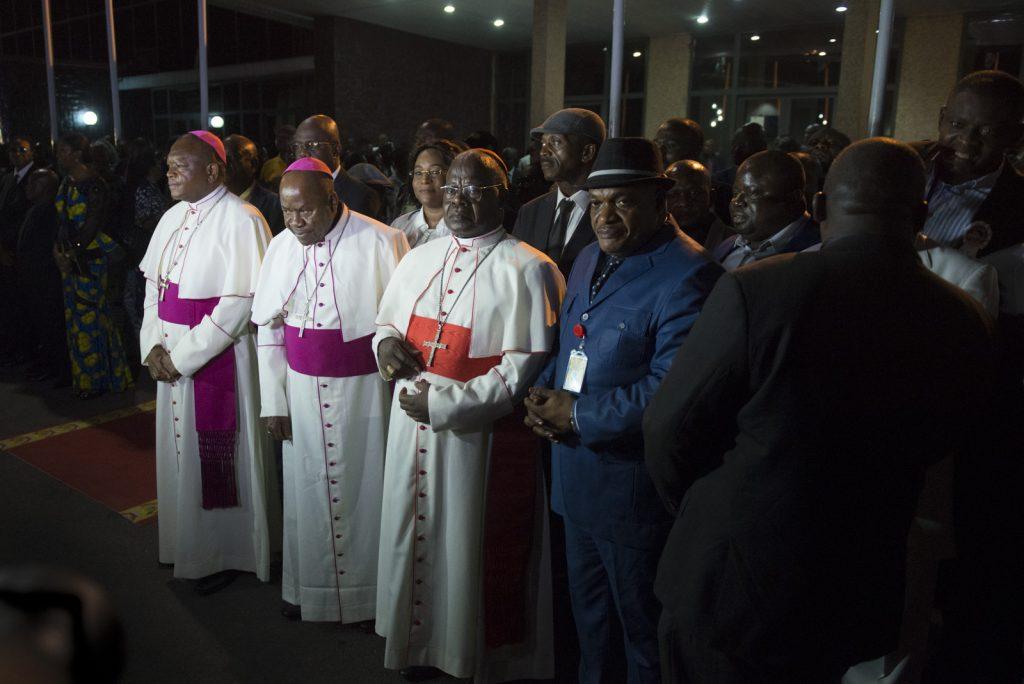 Une importante délégation de l'Église catholique conduite par Mgr Mulumba attendait le retour de la dépouille mortuaire d'Etienne Tshisekedi, le 30 mai 2019 à Kinshasa.