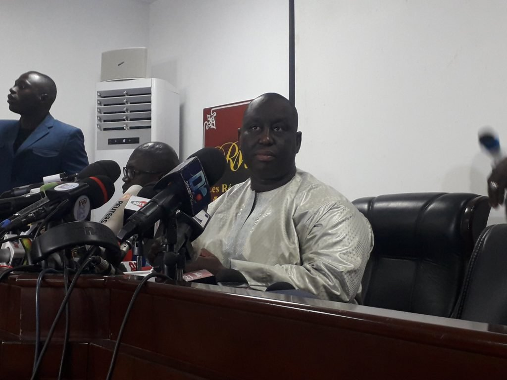 Aliou Sall, maire de Guédiawaye et frère du président Macky Sall, lors d'une conférence de presse à Dakar le lundi 3 mai 2019.