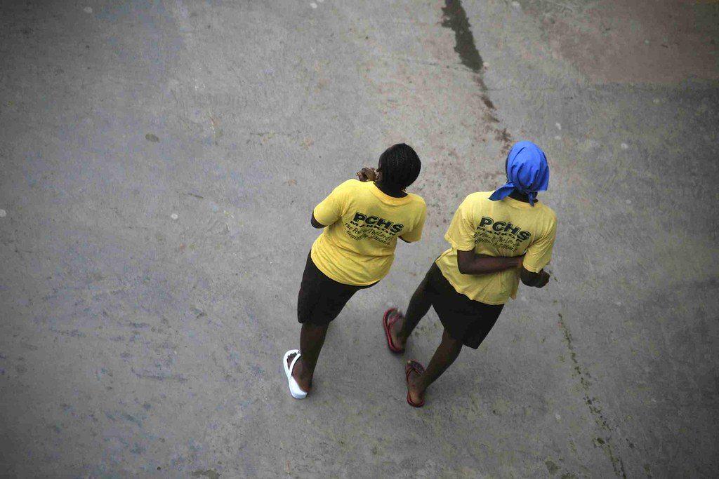 Des jeunes étudiantes d'une école de Bamenda, située en zone anglophone au Cameroun (Illustration).