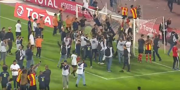 Les joueurs de l'Espérance de Tunis célébrant leur victoire face au Wydad Casablanca, vendredi 31 mai en finale de Ligue des champions africaine.