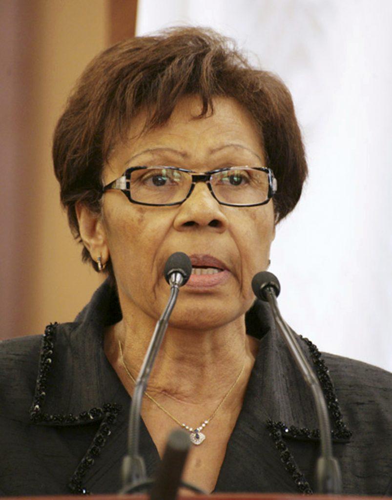 Rose Francine Rogombé, qui fut nommé présidente par interim après le décès d'Omar Bongo Ondimba, lors des funérailles du présoident gabonnais à Libreville, le 16 juin 2009.