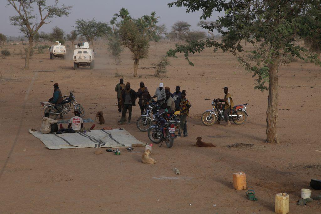Des membres de la milice Dan Na Ambassagou, à Dangaténé dans le centre du Mali, en mars 2019.