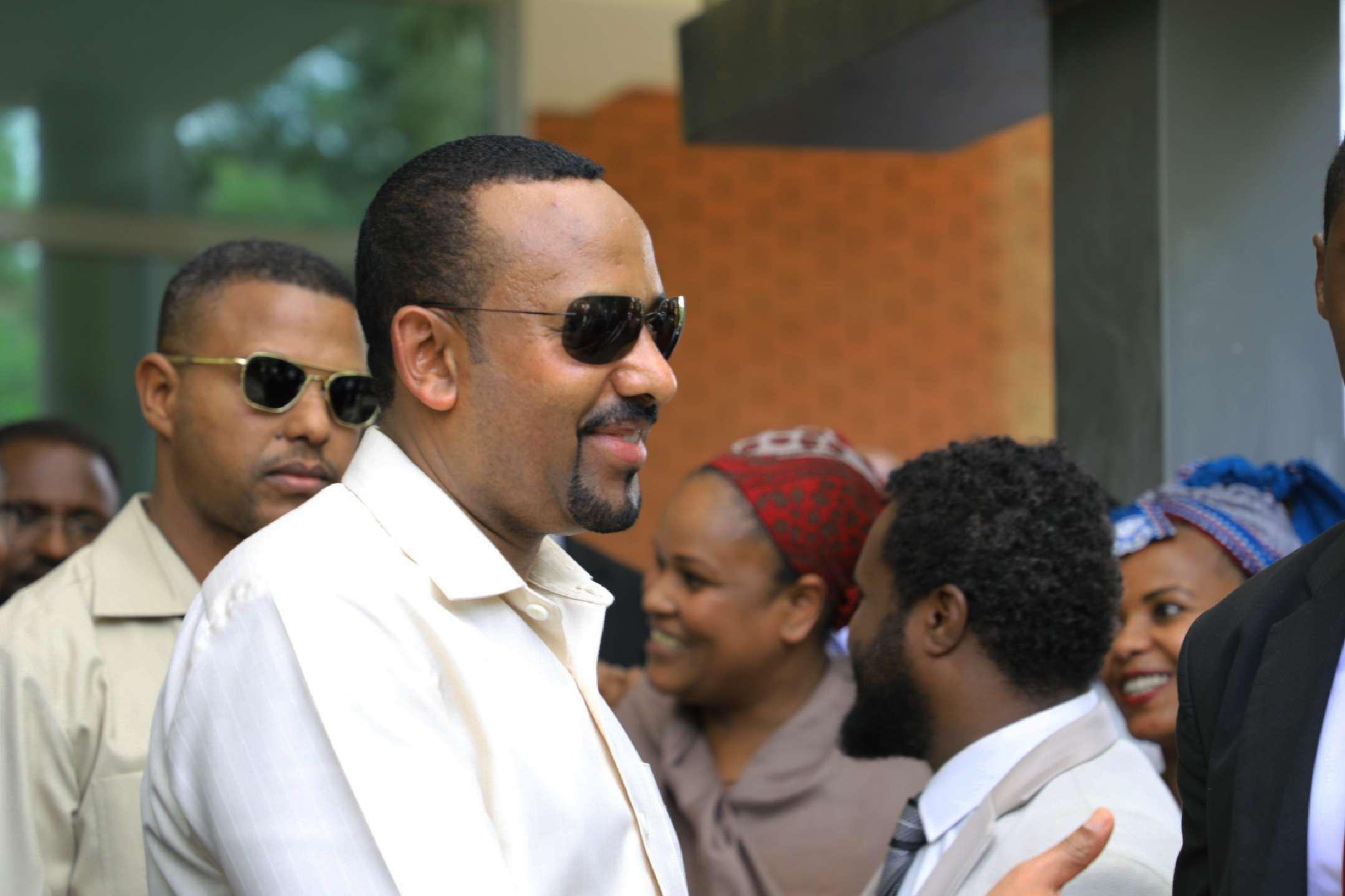 Abiy Ahmed lors de son arrivée à Khartoum vendredi 7 mai, pour initier un processus de médiation entre l'armée et l'opposition soudanaise.
