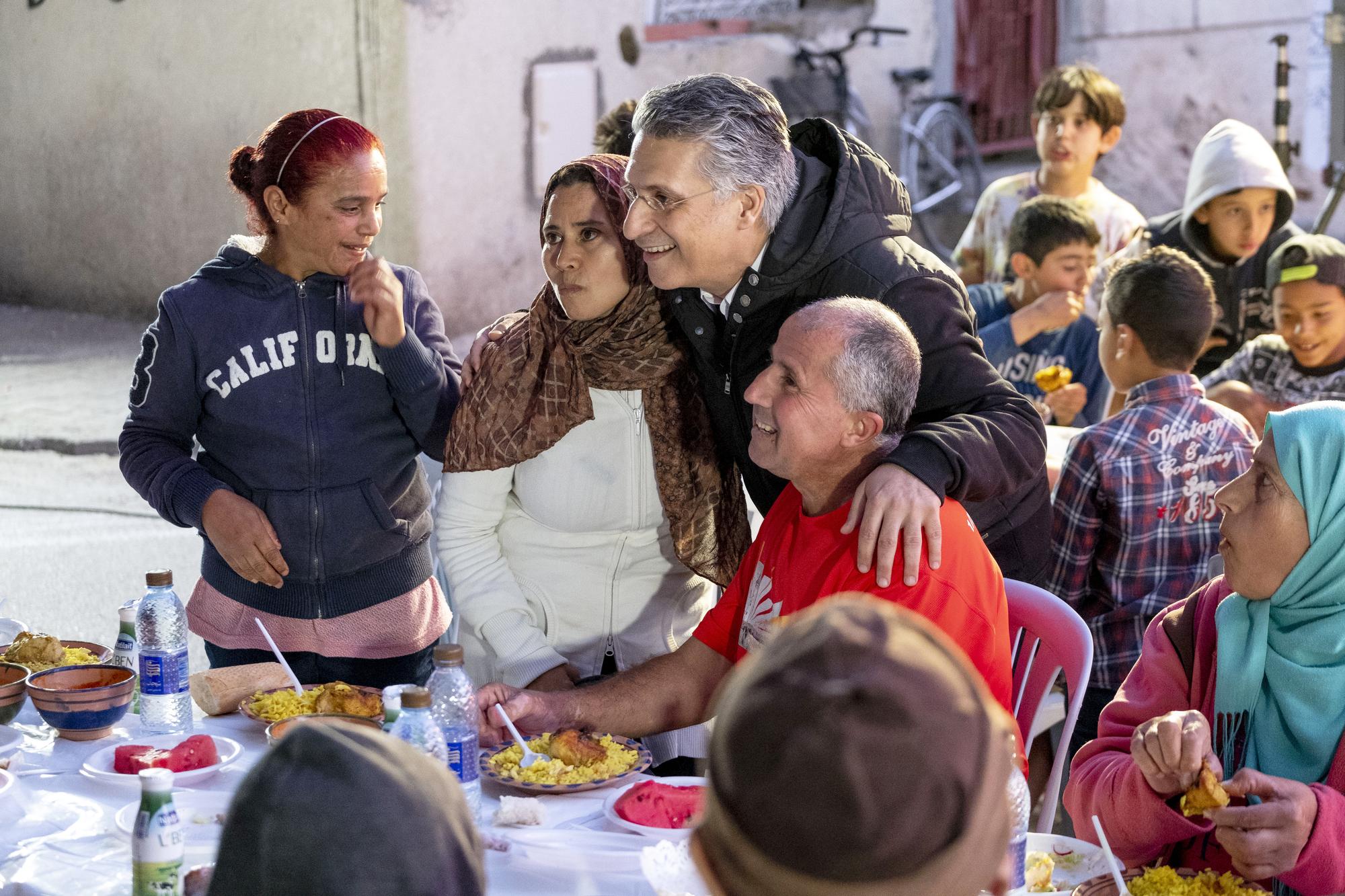 Un iftar organisé par son association, Khalil Tounes, dans la banlieue nord de Tunis, le 1erjuin.
