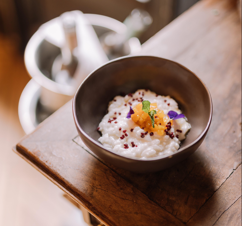 Le chef Pierre Thiam a été choisi pour redonner un goût de créativité locale à la cuisine du Pullman.