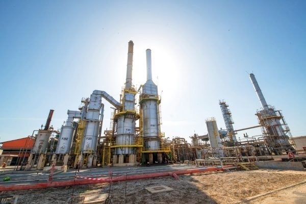 La raffinerie de pétrole de Mbao, à 15/km de Dakar, est la seule du pays.