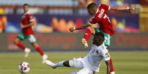 Le Marocain Hakim Ziyech tente une frappe face à la Namibie, le 23 juin 2019 au Caire.
