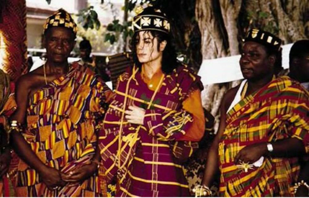 Michael Jackson, lors de son passage au royaume de Sanwi, à Krindjabo, en 1992.