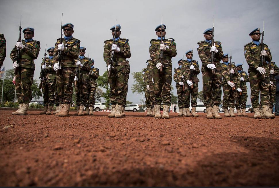 Au Mali, la Minusma peine elle aussi à assurer son mandat de protection de civils.