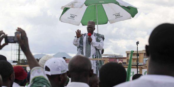Ni John Fru Ndi, durant la campagne présidentielle à Yaoundé, en octobre 2011.