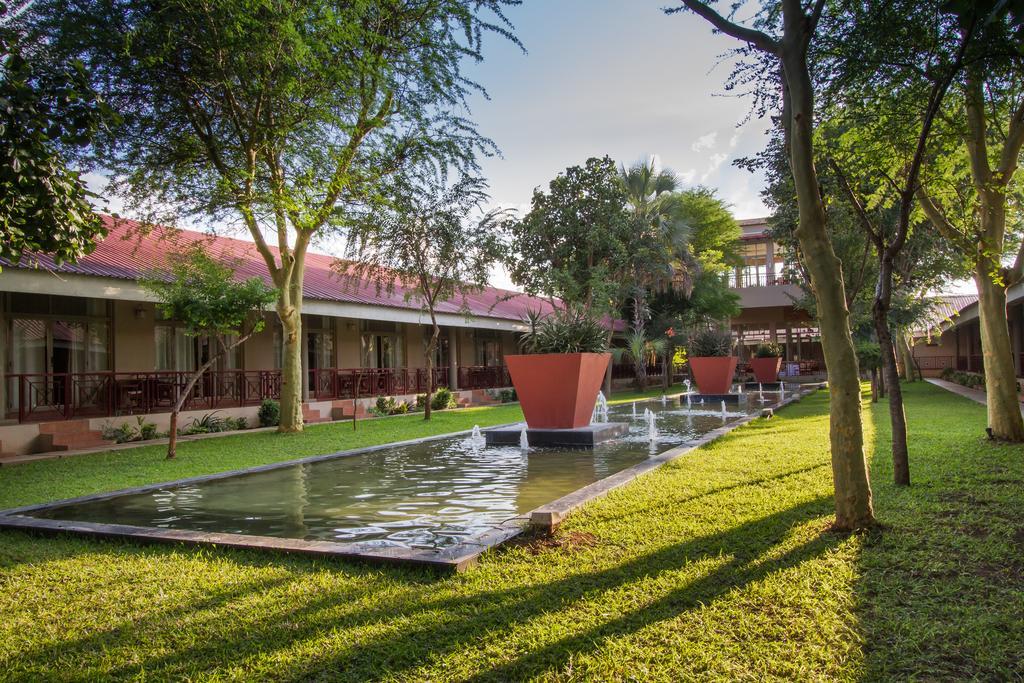 Le CityBlue Courtyard Hotel & Suites, à Livingstone, en Zambie.
