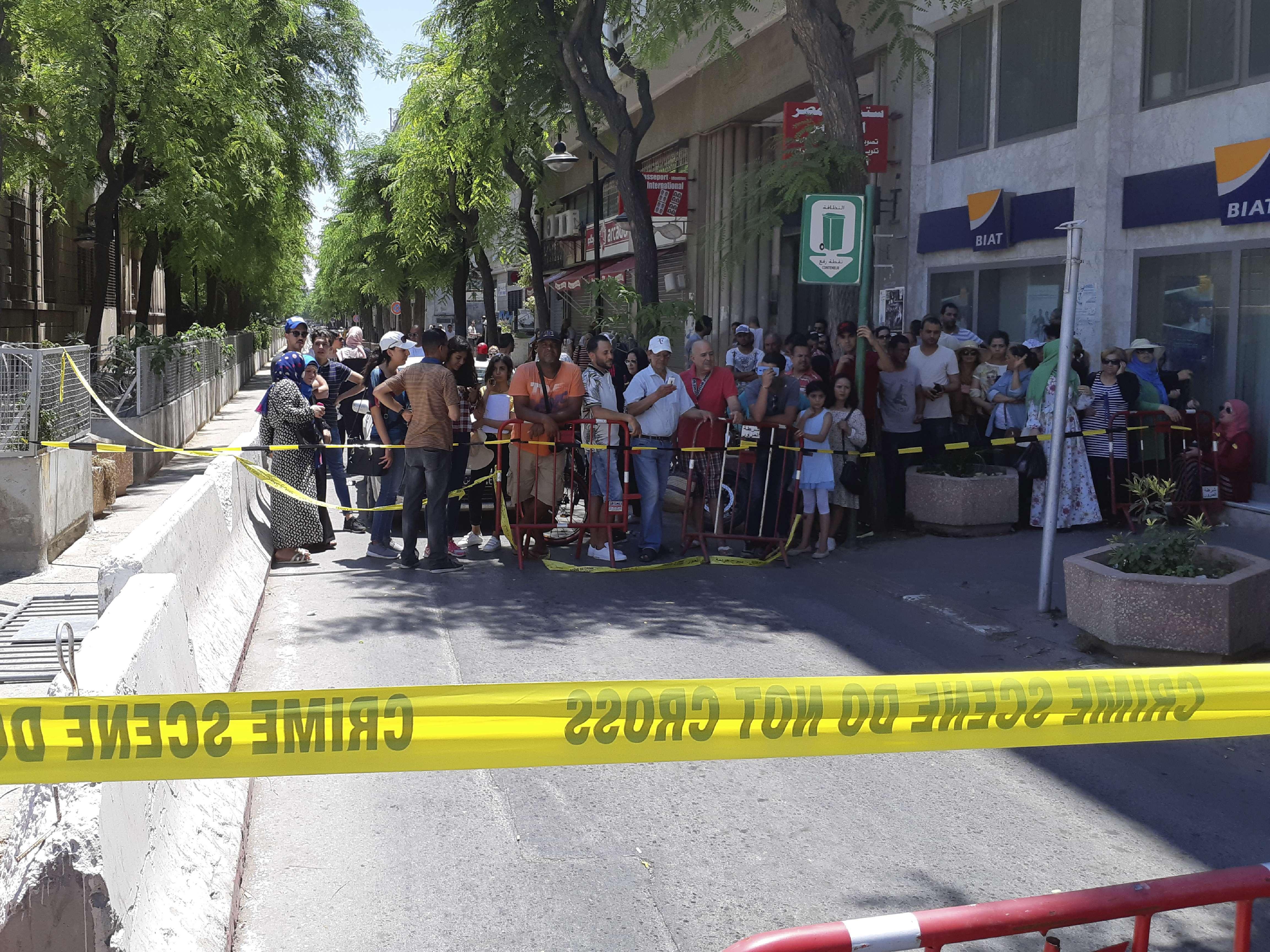Un périmètre de sécurité autour de la zone de l'attentat commis en centre-ville de Tunis, jeudi 27 juin 2019.