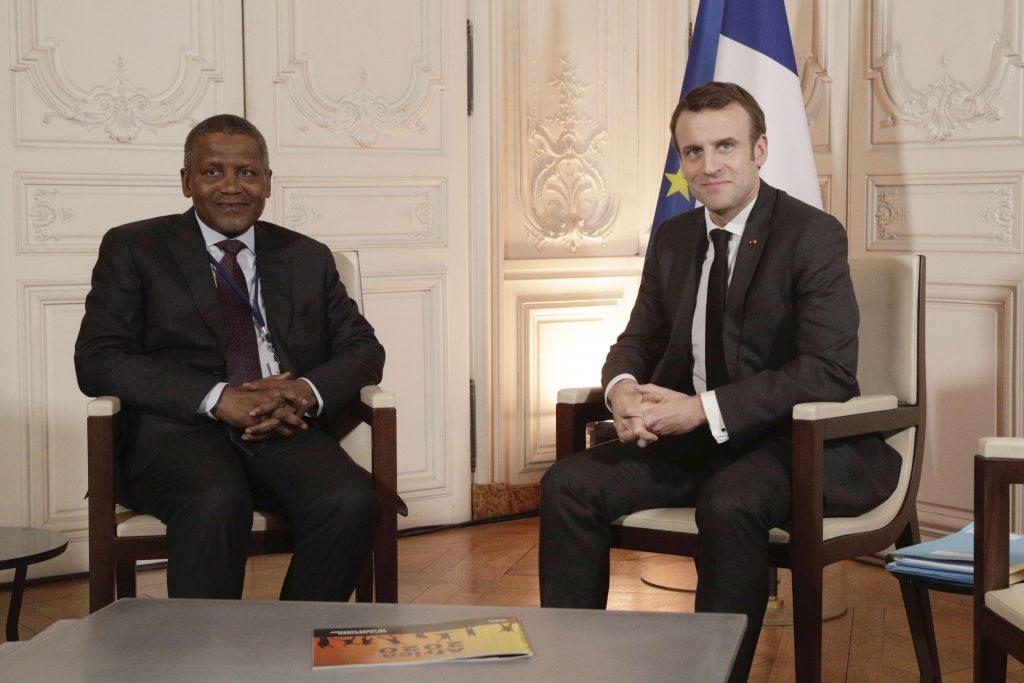 Aliko Dangote et Emmanuel Macron, à Versailles lors du forum