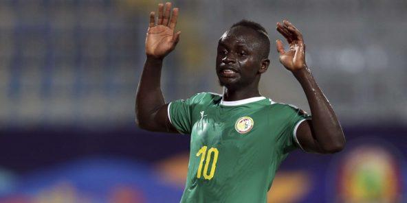 L'attaquant sénégalais Sadio Mané fête son ouverture du score face à l'Ouganda.