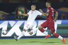 Le Tunisien Wahbi Khazri au duel avec le Malgache Thomas Fontaine, le 11 juillet 2019 au Caire.