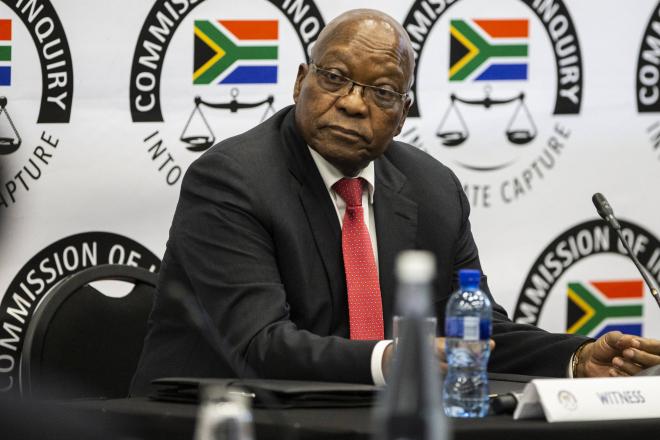 """Afrique du Sud: Jacob Zuma dément tout lien """"illégal"""" avec la famille Gupta"""