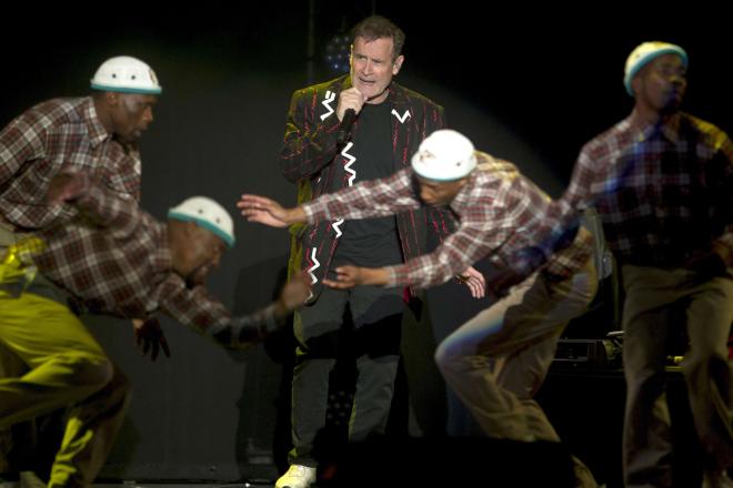 "Les Sud-Africains disent adieu au "" Zoulou blanc "" Johnny Clegg"