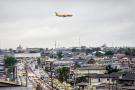 DHL dispose d'installations sur les pistes de plus de vingt aéroports et d'une flotte de quinze appareils.