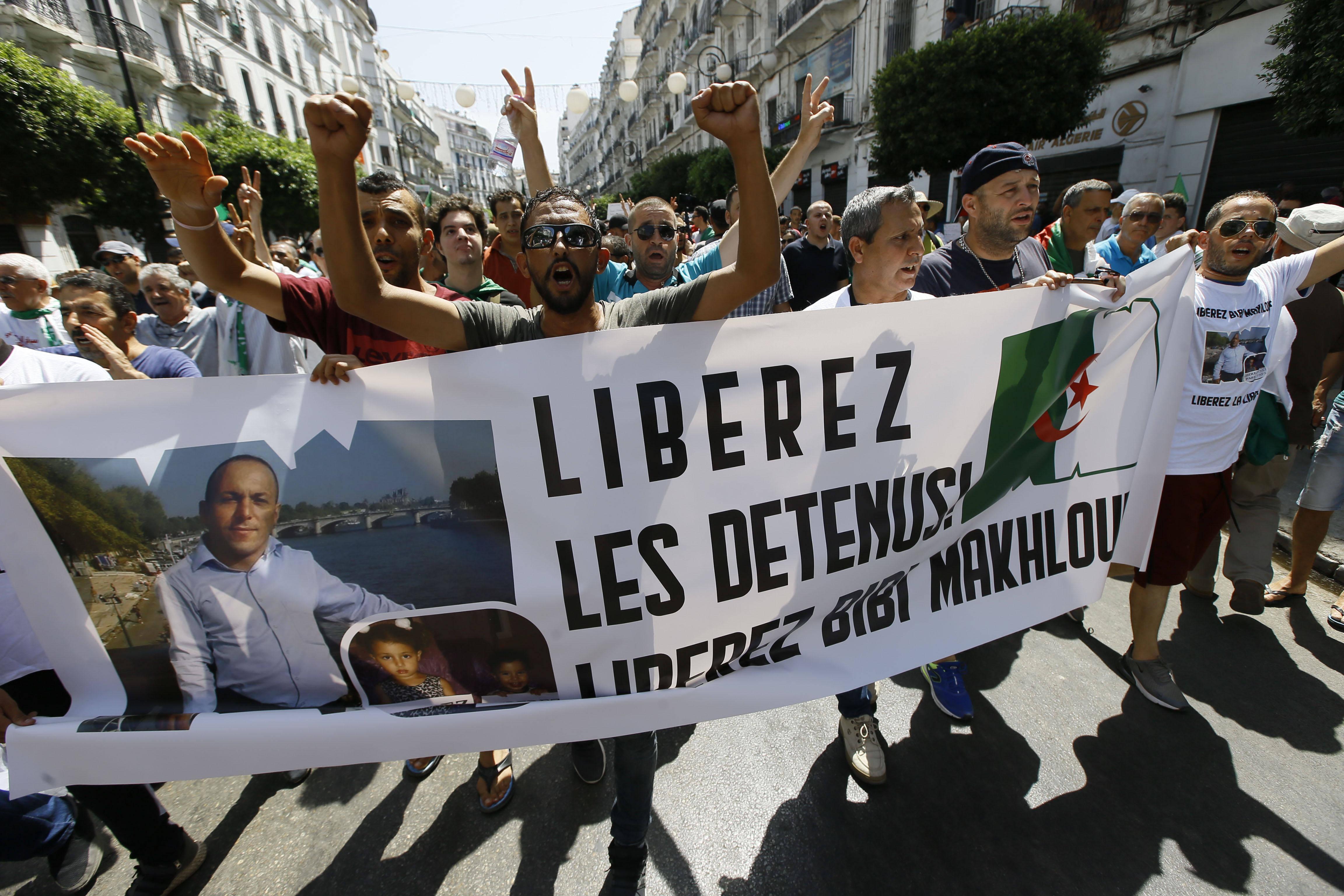 La libération des manifestants incarcérés fait partie du principal préalable fixé par le mouvement de contestation avant d'engager toute discussion.
