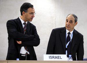 L'ancien procureur de l'État Shaï Nitzan (à g.).