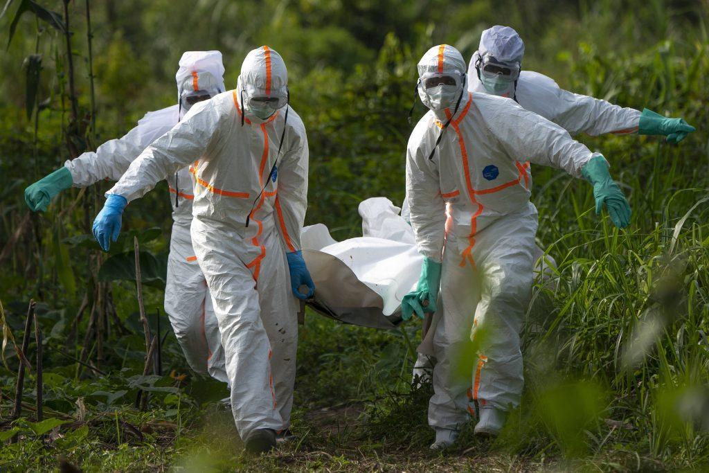 Enterrement d'une personne atteinte d'Ebola, le 14 juillet 2019 à Beni