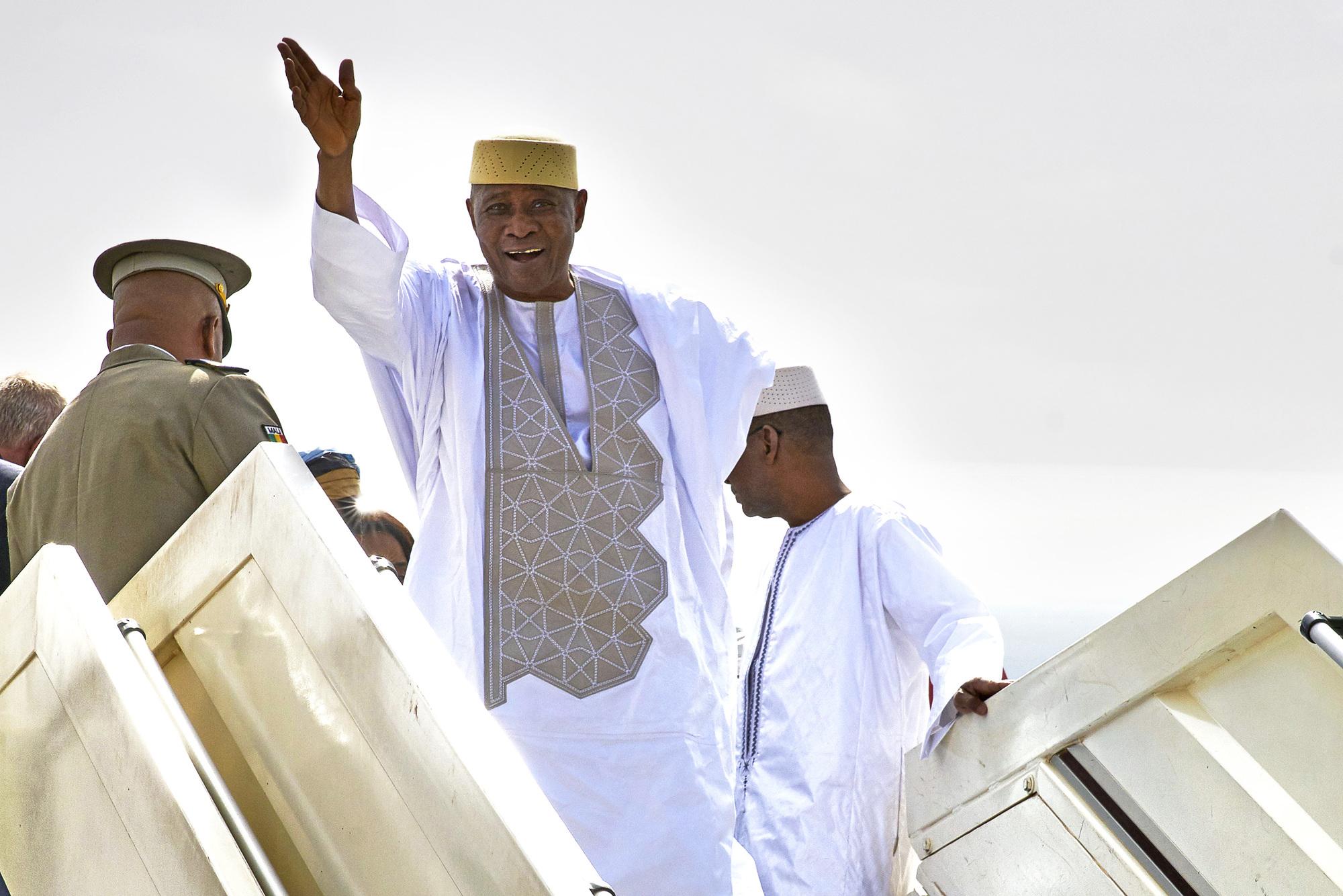 Amadou Toumani Touré lors de son premier retour à Bamako, le 24décembre 2017.