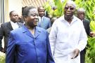 Henri Konan Bédié (à g.) et Laurent Gbagbo, le 10mai 2010 à Abidjan.