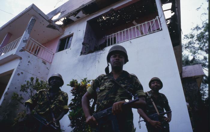 Des rebelles lors du coup d'état de 1984 au Cameroun.