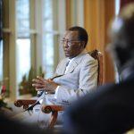 Interview d'Idriss Déby Itno, président de la République tchadienne, par François Soudan (Jeune Afrique), le 5 juillet 2012, à N'djamena (Tchad). © Vincent Fournier/JA